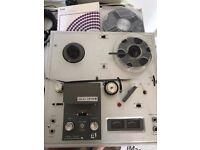 Vintage Akai 1710W Reel to Reel tape recorder