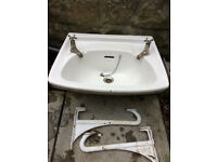 Twyfords Sink in good condition