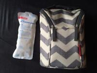 Skip Hop grab and go double bottle bag in Chevron
