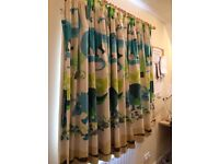 Dinosaur lined curtains fits our window sized 83cm wide and 108cm down.