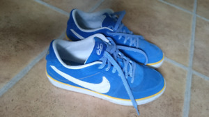 Men's suede Nike skateboard 9.5 shoes