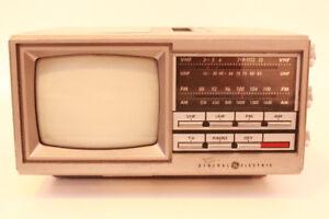 Vintage 1985 GE General Electric No 7-7150A  TV Radio