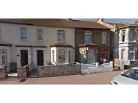 ** 6 bedroom house available in Barking, close to Ilford Lane, sharers welcome, part DSS accepted **