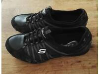 Sketchers Walking Shows. Only worn a Couple Of Times. Size 5