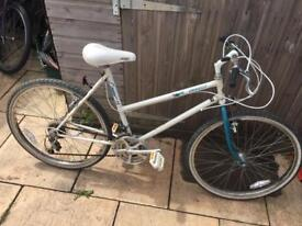 Emmelle Cougar Ladies Bike. Serviced, Good Clean Condition, Free D-Lock, Lights, delivery.