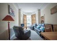 Specious 3 bedrooms (4 beds) apartment in front of Calton hill