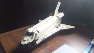 Lego - Space Shuttle Discovery 7470-1