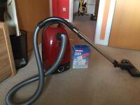 Miele S381 Bagged Cylinder Vacuum Cleaner 1800 Watt