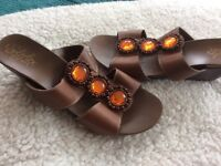New lovely pair of leather brown sandals size 5/38