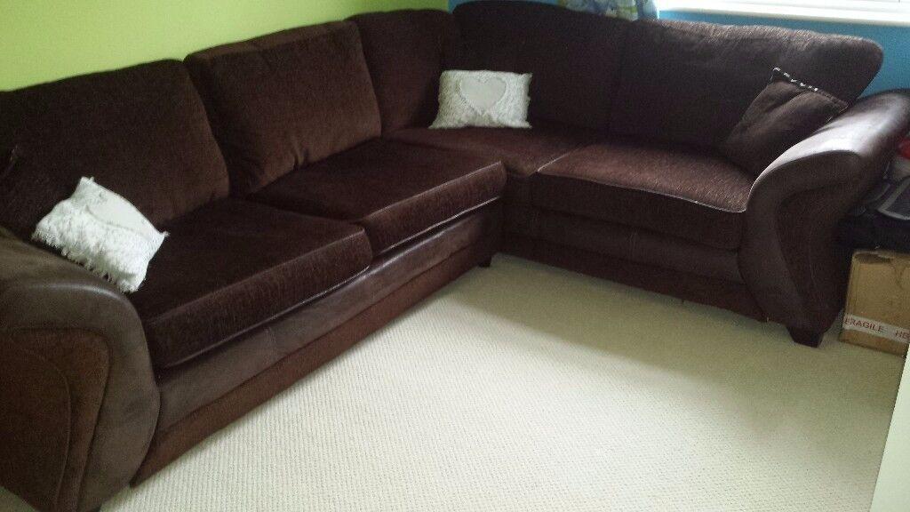 Corner Suite Sofa For Sale In Loughborough
