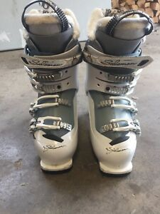 Ladies Salamon Ski Boots