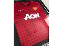 Framed - signed Manchester Utd shirt