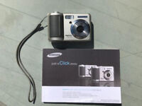 Samsung Digimax Cyber530 camera