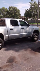 2009 Dodge Dakota Pickup Truck 4x4  v8 magnum