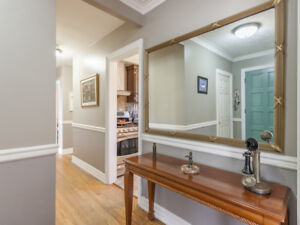 Beautiful Home for Sale in Woburn/Morningside Community