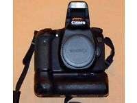 Canon EOS 70D DSLR Camera Body W/ Battery Grip + 3x Battery and 32GB SD Card