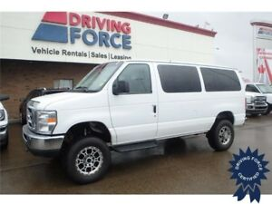 2014 Ford E-350 XLT 12 Passenger 4x4 - 41,367 KMs, Cloth Seats