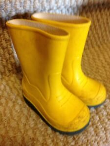Size 5 toddler rain boots