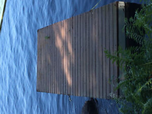 Floating dock with ramp