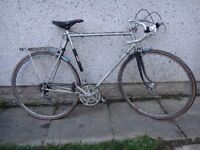 Viscount aerospace pro Road bike 27 inch wheels, 10 gears, 24 inch lightweight frame working order