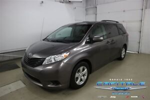 2014 Toyota Sienna *TRÈS SPACIEUX* **7 PASSAGERS**