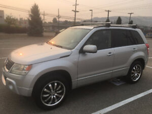 2009 Suzuki Grand Vitara Luxury SUV, Crossover