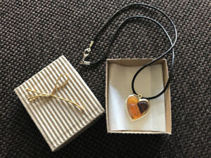"Necklace in ""Amber"" stones"