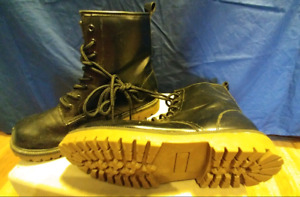 Womans size 9 boots, never worn
