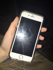 iPhone 6  gold 16gb mint condition locked with Telus/Koodo