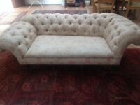 Beautiful Victorian sofa/chaise lounge - Chesterfield style