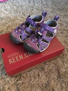 Keen toddler size 8