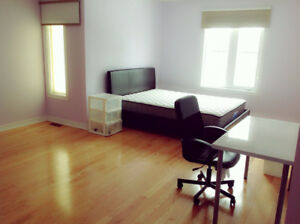 Master bedroom with private washroom in Markham. 407/Kennedy