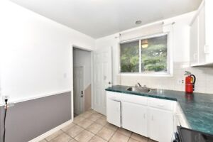 CHARMING CHARACTER HOME CLOSE TO COLLEGE!