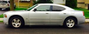 2006 Dodge Charger 1500 $ ferme