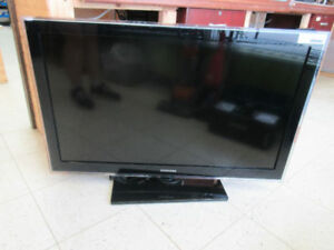"**SAMSUNG BIG SCREEN** 40"" LCD Samsung TV LN40D550K1F"