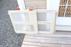 """Safety 1st Baby Gate - Opens to 40"""""""