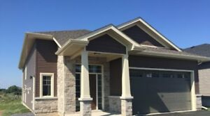 LUXURY - EXECUTIVE HOME FOR RENT - WOODHAVEN - $1925 INCLUSIVE