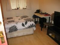 Large Double Room to Rent at Brixton Hill