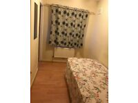 SINGLE ROOM VERY CLEAN HOUSE BILL INCLUDE 90£/WEEK ,Dagneham East only 2 mins walk