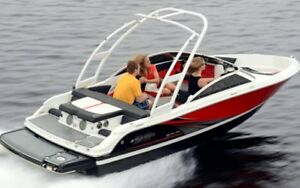 2015 Four Winns H180 SS with only 40.5 hours