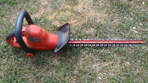 Black and Decker 22 inch Electric Hedge Trimmer.
