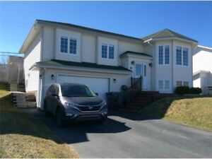 Best priced home in Paradise/w attached garage