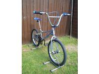 """VINTAGE CHROME GT PERFORMER OLD SCHOOL BMX BICYCLE BIKE 20"""" WHEELS"""