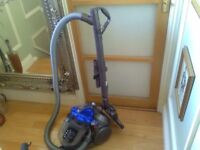 Dyson DC19 T2 exclusive cylinder vacuum cleaner with accessories in good working condition