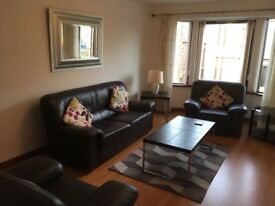FOR RENT 2 DOUBLE BEDROOMED FULLY FURNISHED FLAT WITH OFFSTREET PARKING,MODERN DEC