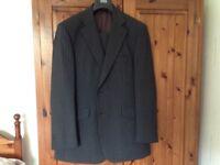 M ad s suit