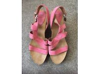 SCHOLL PINK WEDGE CORK HEEL SANDALS SIZE 6 (BRAND NEW)