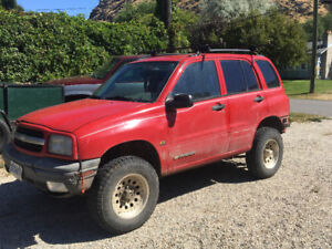 1999 Chevrolet Tracker SUV, Crossover