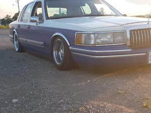 1994 lincoln town car($negotiable)