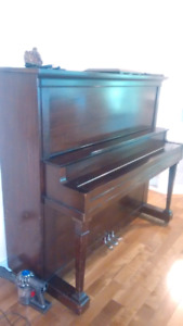 MOVING SALE (HAS TO GO) Piano for Sale $150  OBO